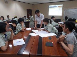 Công ty TNHH SHIHEN Việt Nam - là công ty 100% vốn của Nhật Bản, chuyên sản xuất linh kiện điện tử (hiện tại là chấn lưu điện tử Ballast dành cho đèn huỳnh quang và bản mạch điện tử Power Supply dành cho máy in).