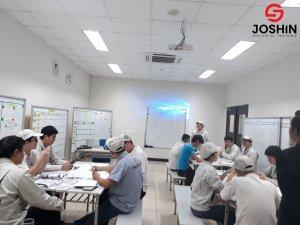 Joshin triển khai khóa học TPM tại công ty Công Ty TNHH Hayakawa Electronics Việt Nam giúp học viên trang bị những kiến thức về TPM, tối đa hóa hiệu suất thiết bị, nâng cao năng suất với một hệ thống bảo trì được thực hiện trong suốt vòng đời của thiết bị.